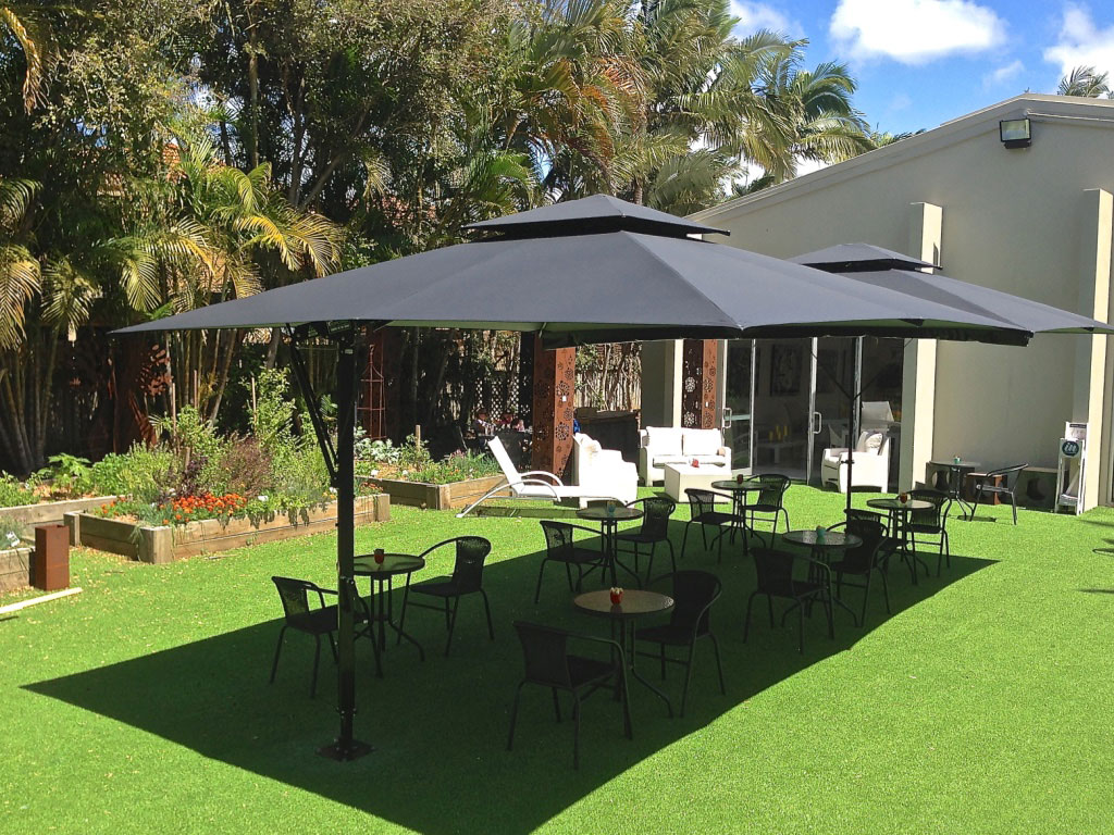 Attractive 2X Square Commercial Cafe Umbrellas, Black/BLack, Join With Gutter