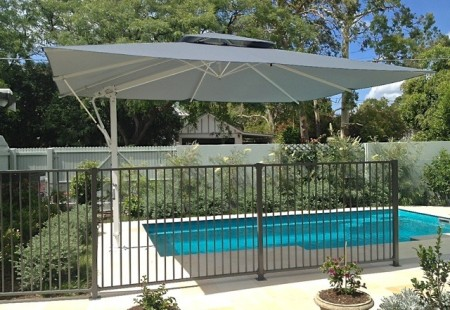 Rectangular 4.5m x 3.5m Umbrella, White/Charcoal