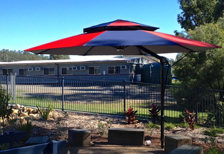 Octagonal 4m Commercial Umbrella, Black/Navy&Red