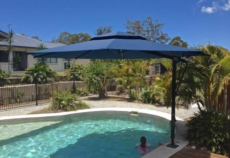 Octagonal 5m Pool Umbrella, Black/Navy blue
